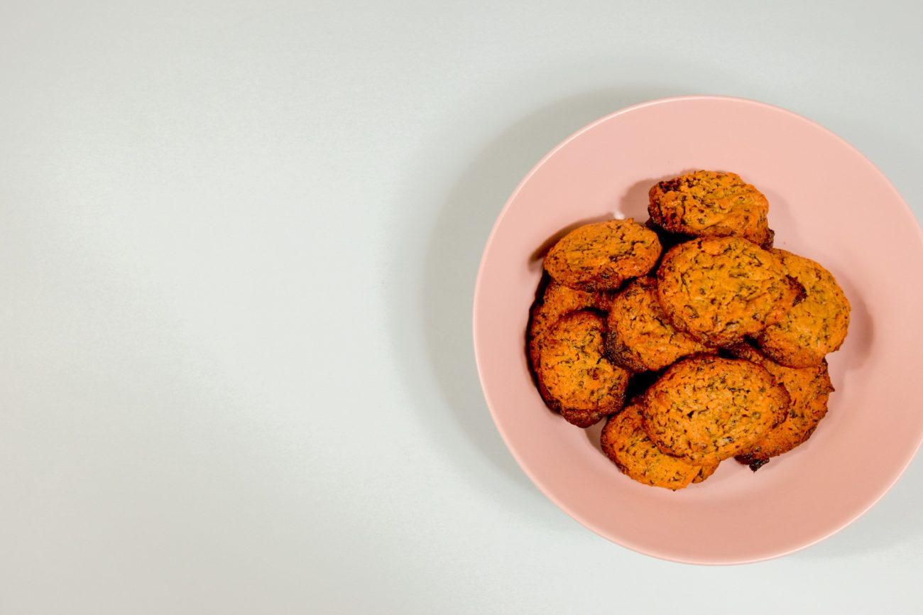 Μπισκότα με 4 υλικά σε 15 λεπτά