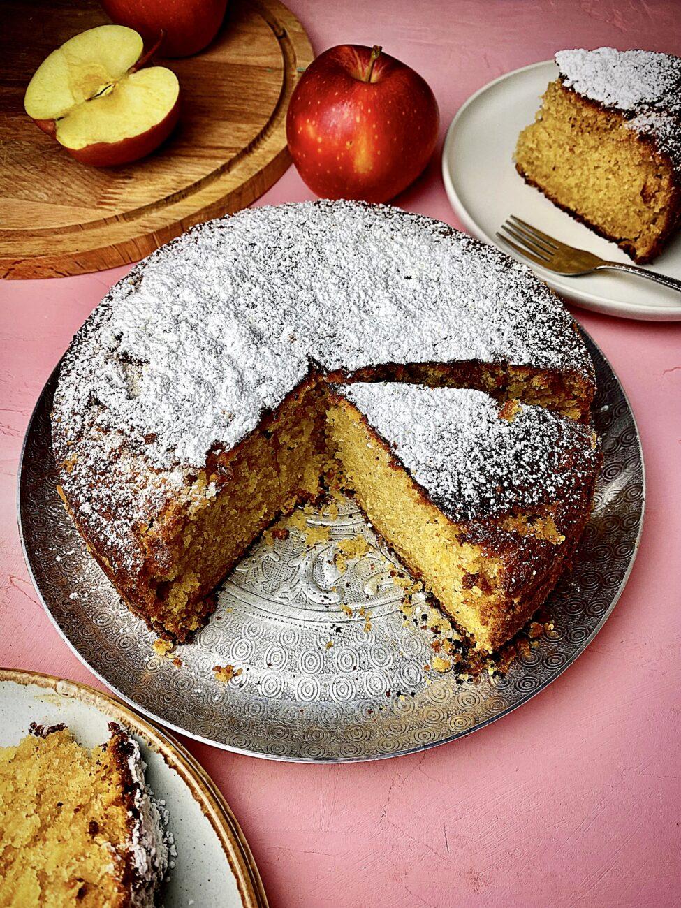 Κέικ μήλου με 6 υλικά