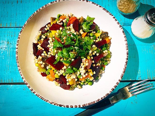 Σαλάτα με λαχανικά και φαγόπυρο