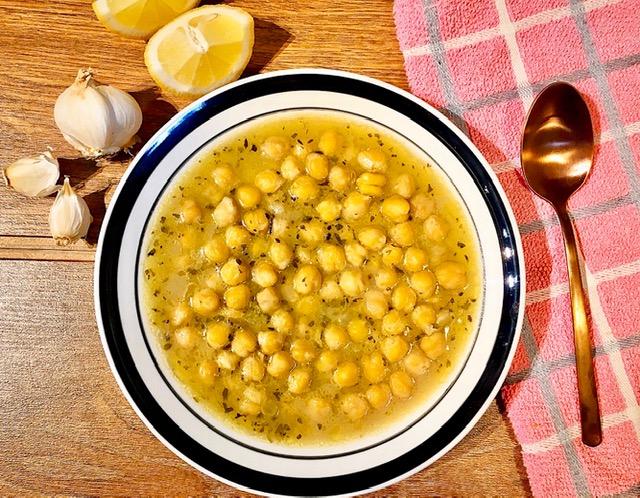Ρεβύθια σούπα λεμονάτα