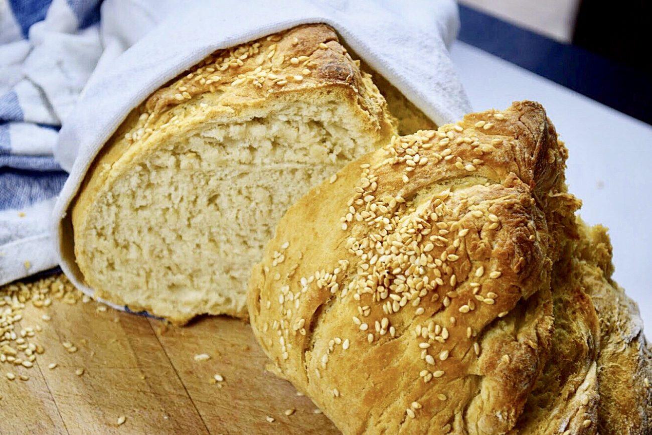 Ψωμί με 5 υλικά σε 5 λεπτά