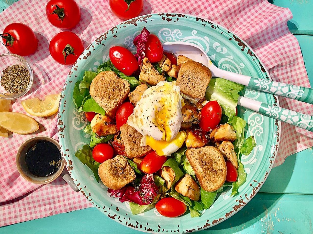 Σαλάτα της Λένας με αυγά ποσέ