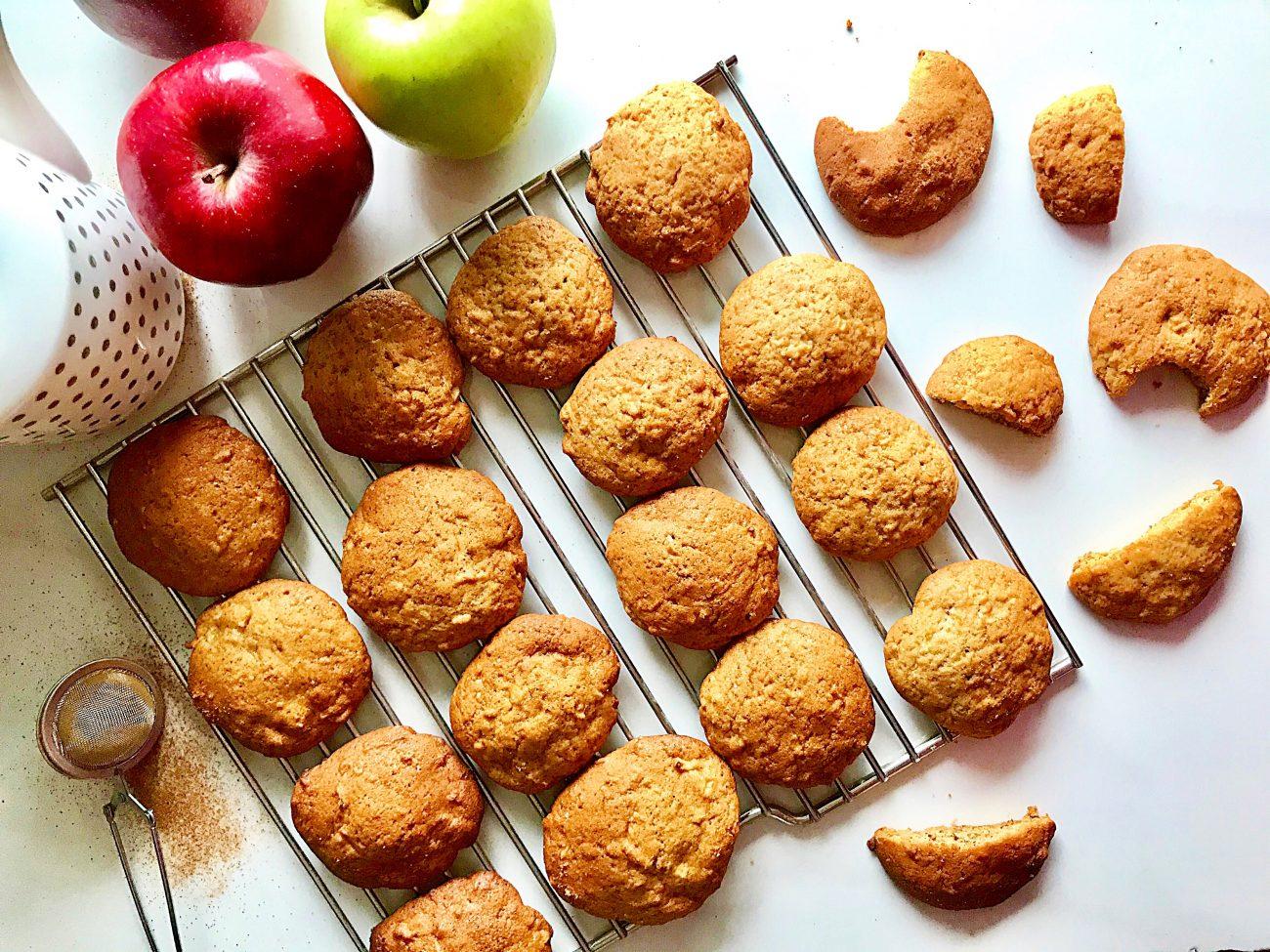 Μαλακά μπισκότα με μήλο