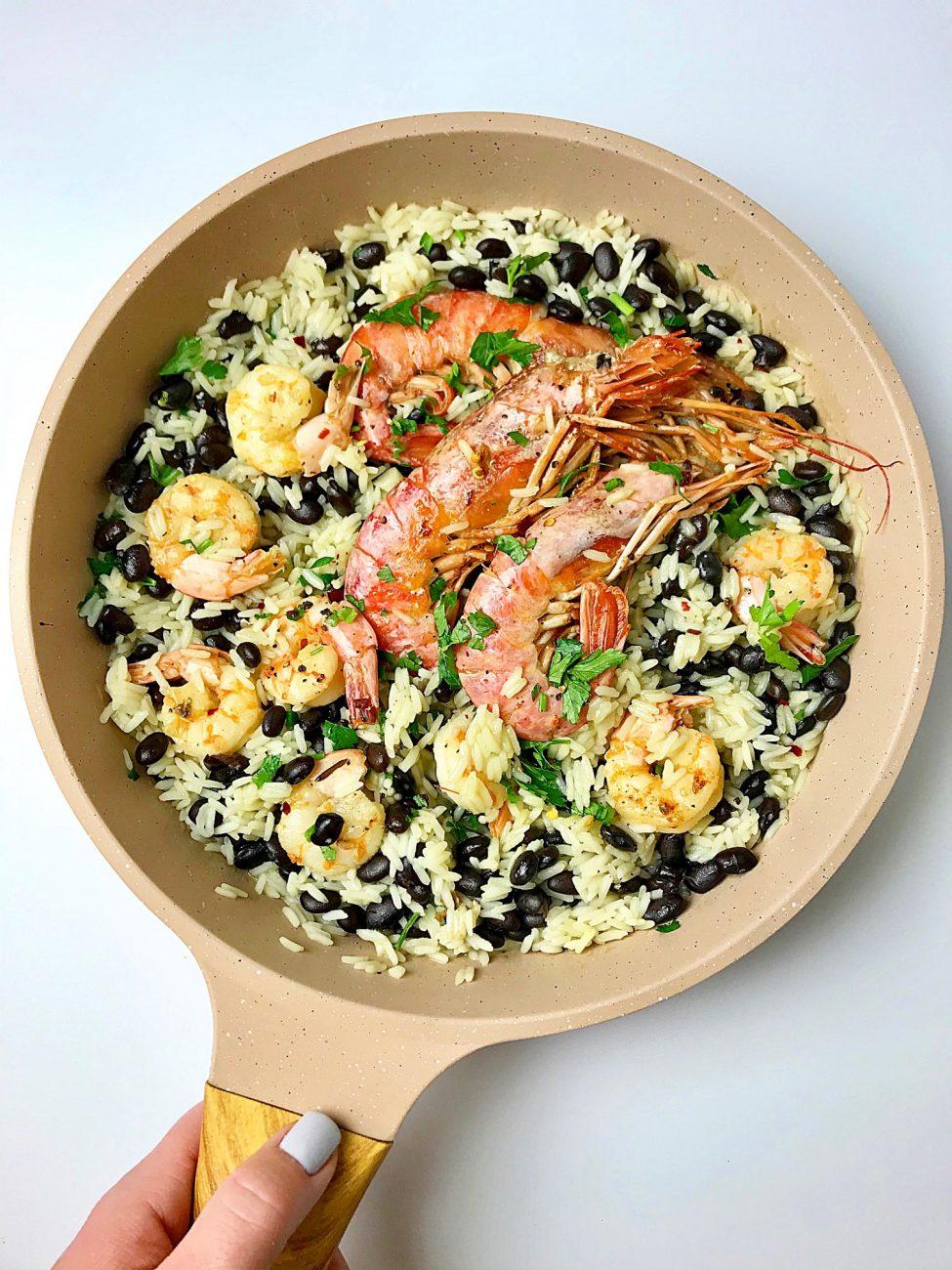 Ρύζι με γαρίδες και μαύρα φασόλια