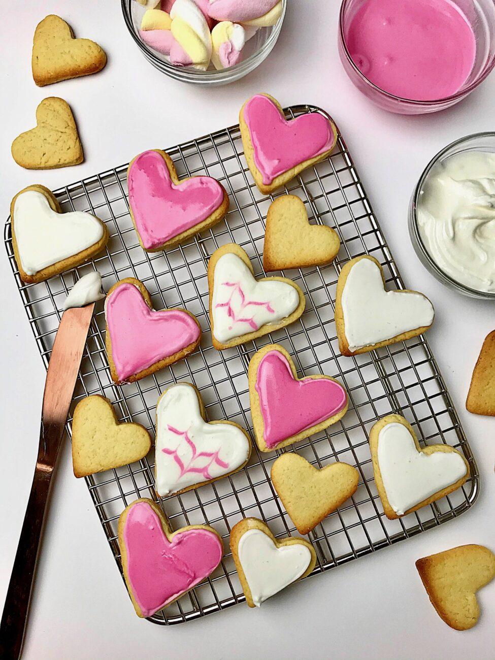 Μπισκότα καρδούλες με γεύση βανίλιας|Άγιος Βαλεντίνος