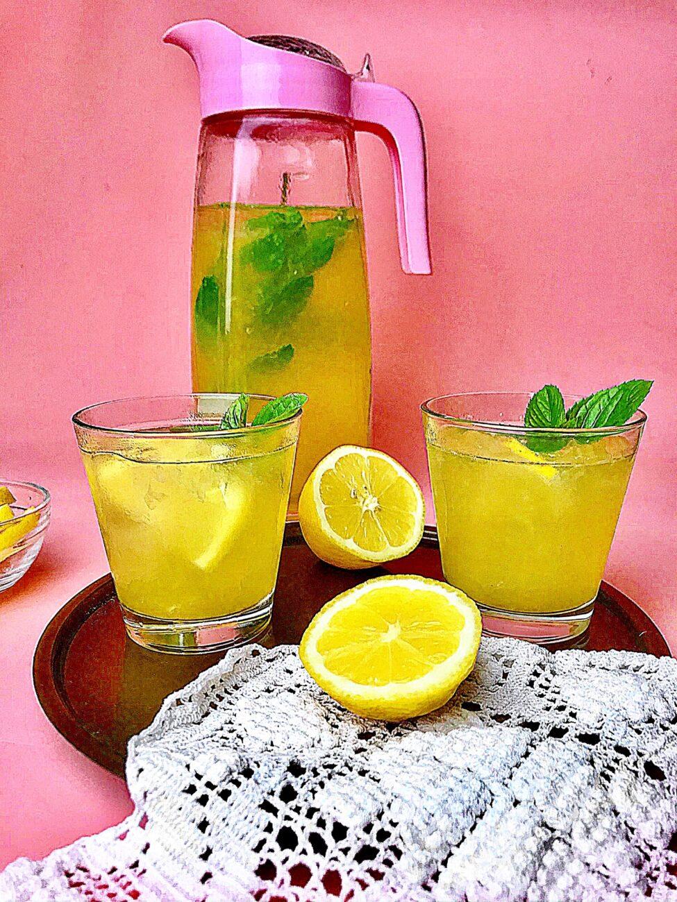 Σπιτική λεμονάδα με μέλι